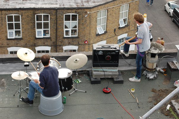 Hackney Wicked 09, roof band